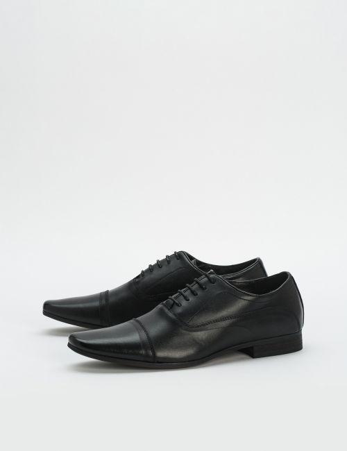 נעלי עור עם חרטום מרובע