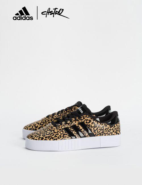נעלי Adidas מנומרות עם לוגו מבריק / נשים