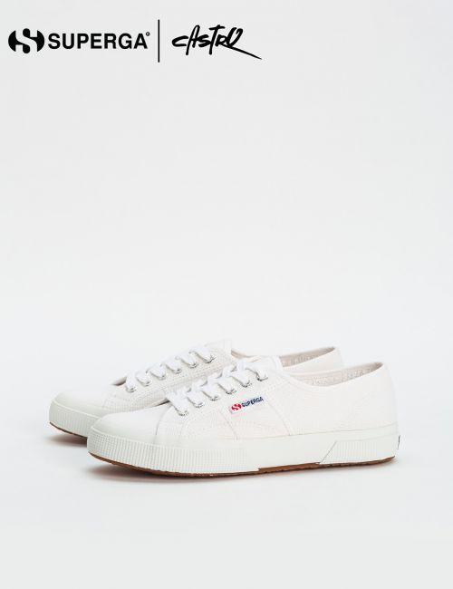 נעלי Superga לבנות שטוחות / נשים