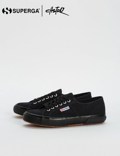 נעלי Superga שחורות שטוחות / נשים