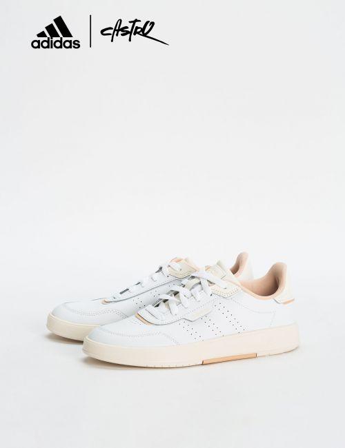 נעלי Adidas לבנות עם לוגו ורוד / נשים
