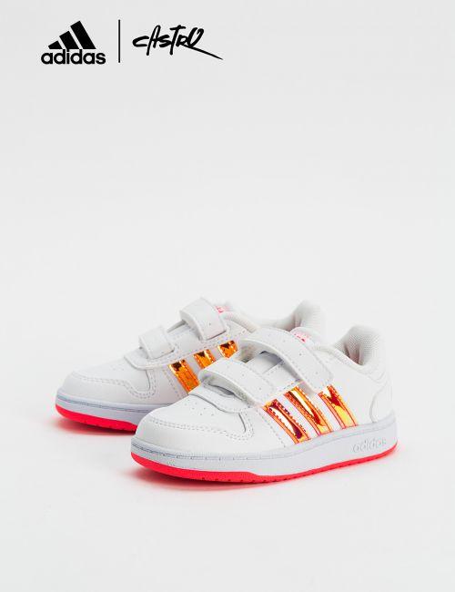 נעלי Adidas צבעוניות - מידות קטנות
