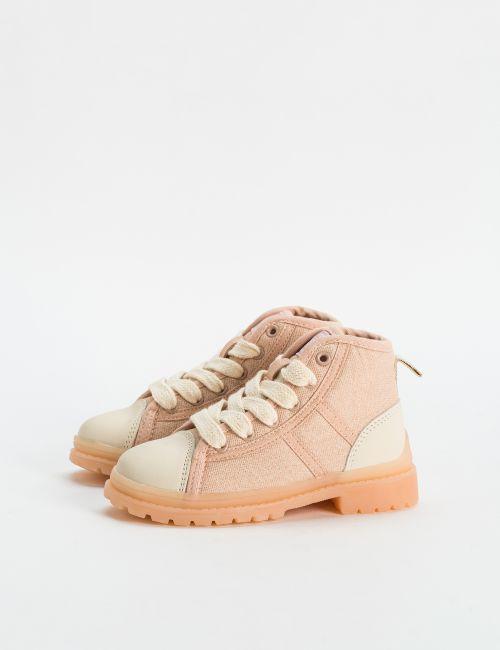 נעליים גבוהות עם סוליית טרקטור
