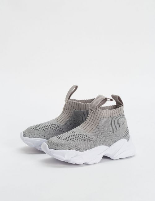 נעלי ספורט סרוגות גבוהות