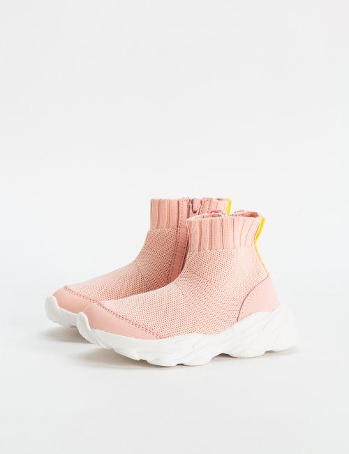נעליים סרוגות גבוהות