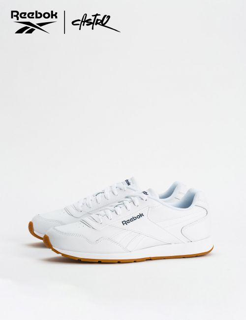 נעלי Reebok לבנות עם לוגו כחול / גברים