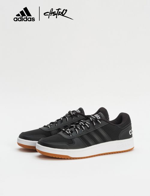 נעלי Adidas שחורות עם שרוכי לוגו / גברים