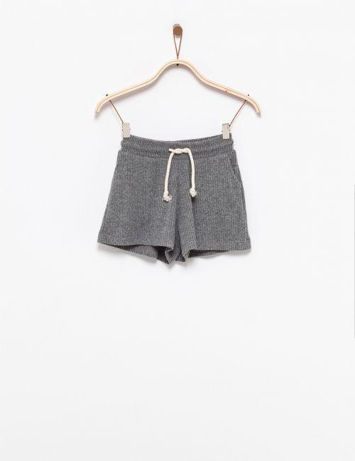מכנסי ריב קצרים